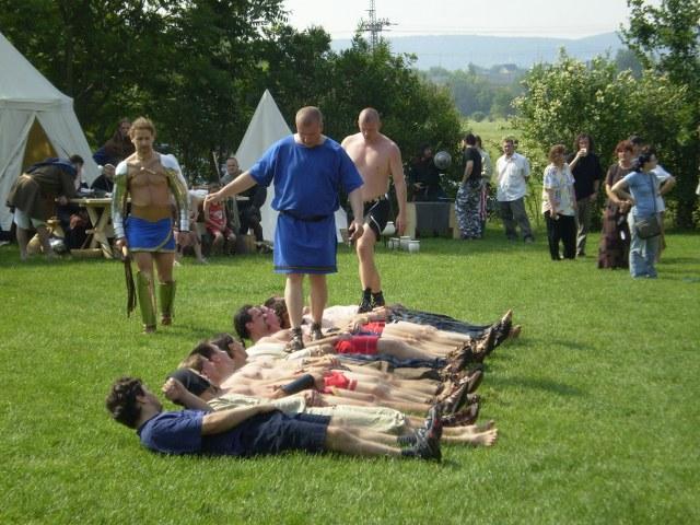 csiki pihenőkert régészeti konferencia