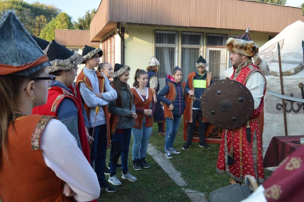 utazó múzeum jurta program