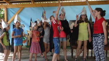 A Csiki színház bemutatja! – drámatábor kicsiknek és nagyoknak