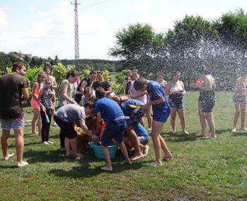 Egy utolsó nagy buli! – vakáció záró csapatjáték tábor Csiki Pihenokert