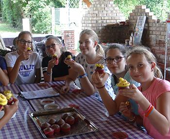 """Legyél Te is """"Tortakirály"""" – cukrásztábor (ünnepi sütemények és torták) Csiki pihenokert"""