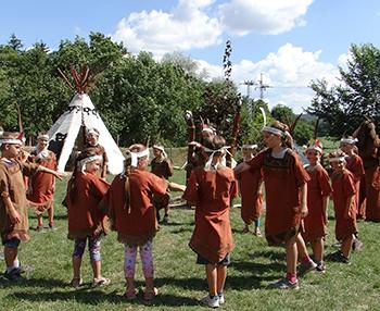 Nagy Medve törzsének gyermekei - indiántábor az apacsok földjén Csiki Pihenokert