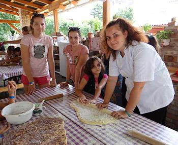 Pici Pékek - cukrásztábor (péksütemények és kemencés finomságok) Csiki Pihenokert